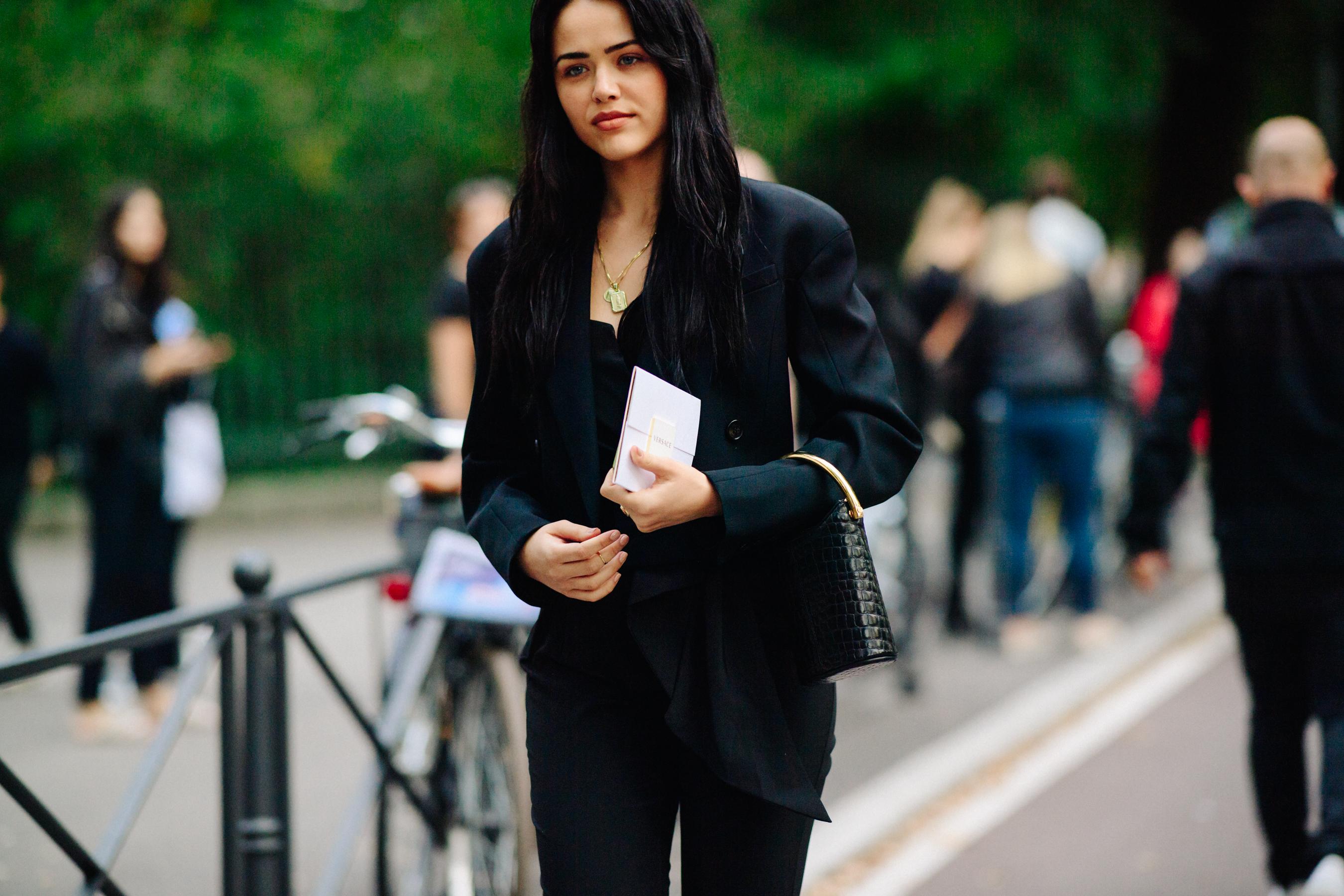 Асимметричный черный пиджак