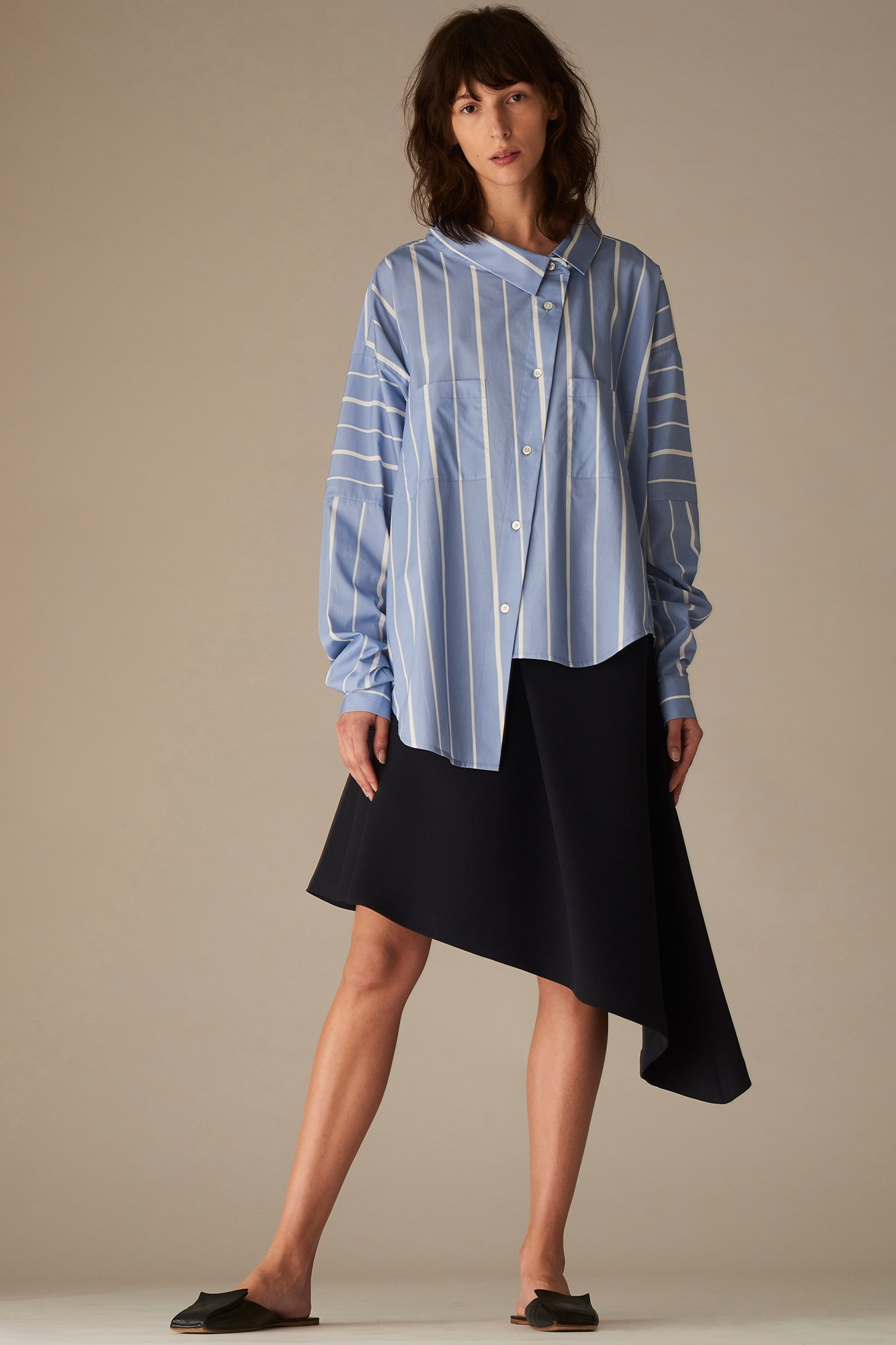 Асимметричная трикотажная блузка
