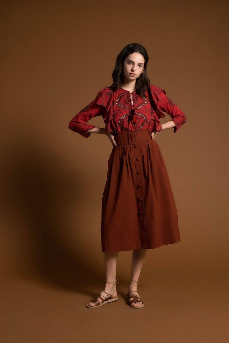 Ажурная блуза с воланами