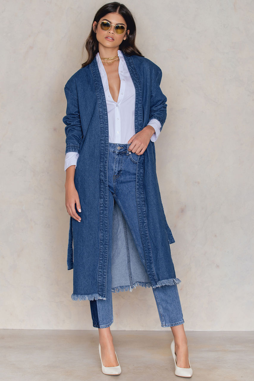 Джинсовое пальто с бахромой