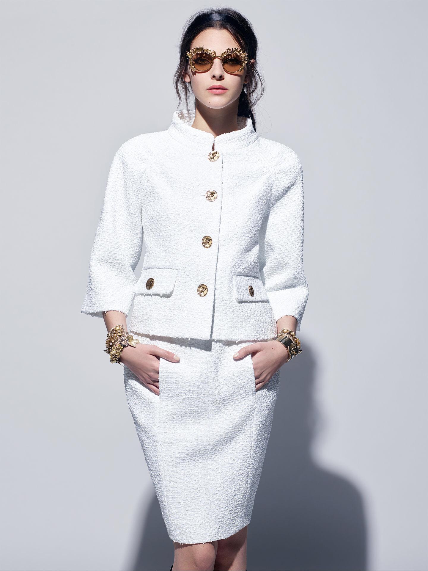 Белый пиджак букле