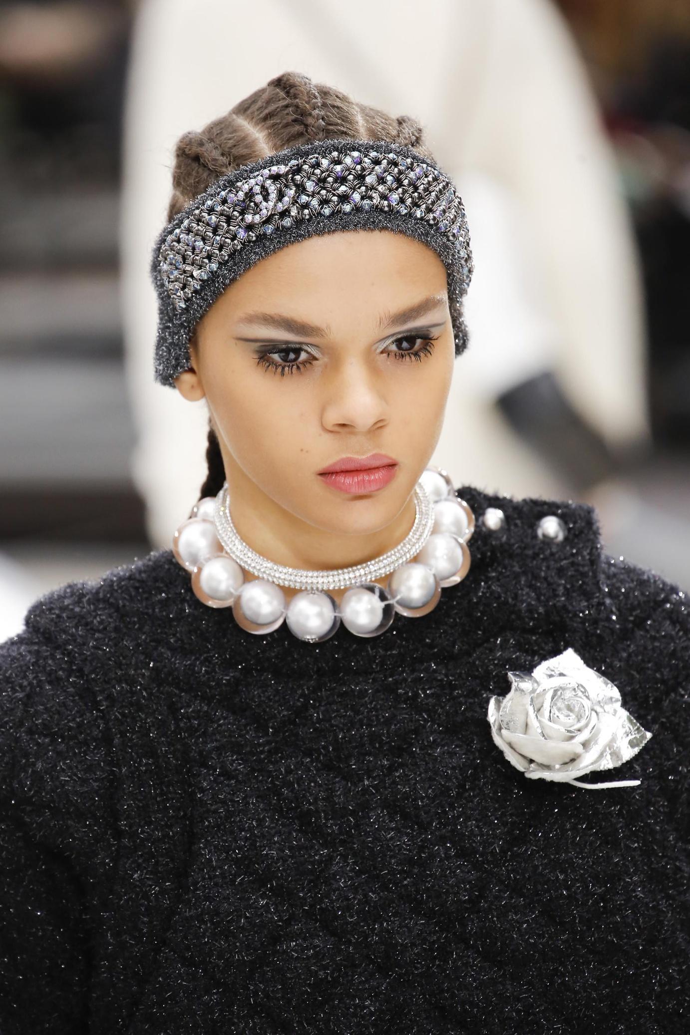 Повязка на голову Chanel