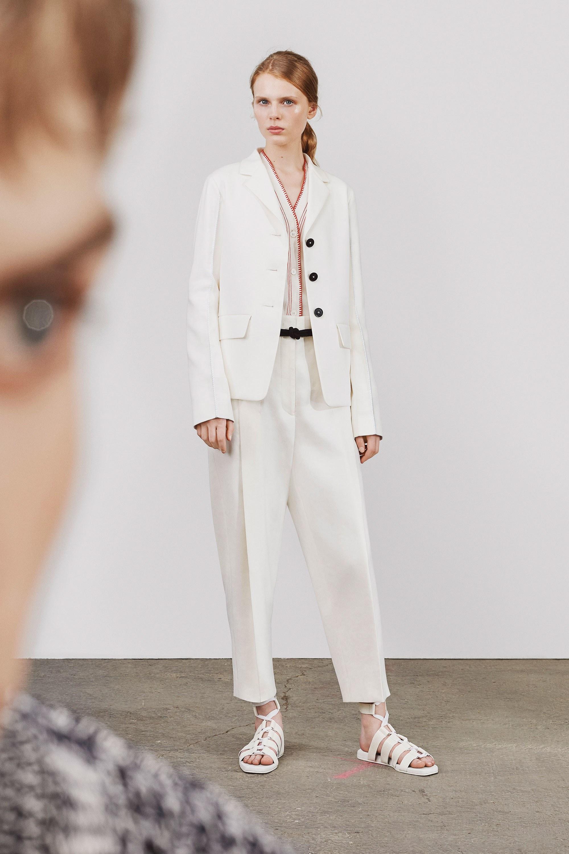 Классический белый пиджак