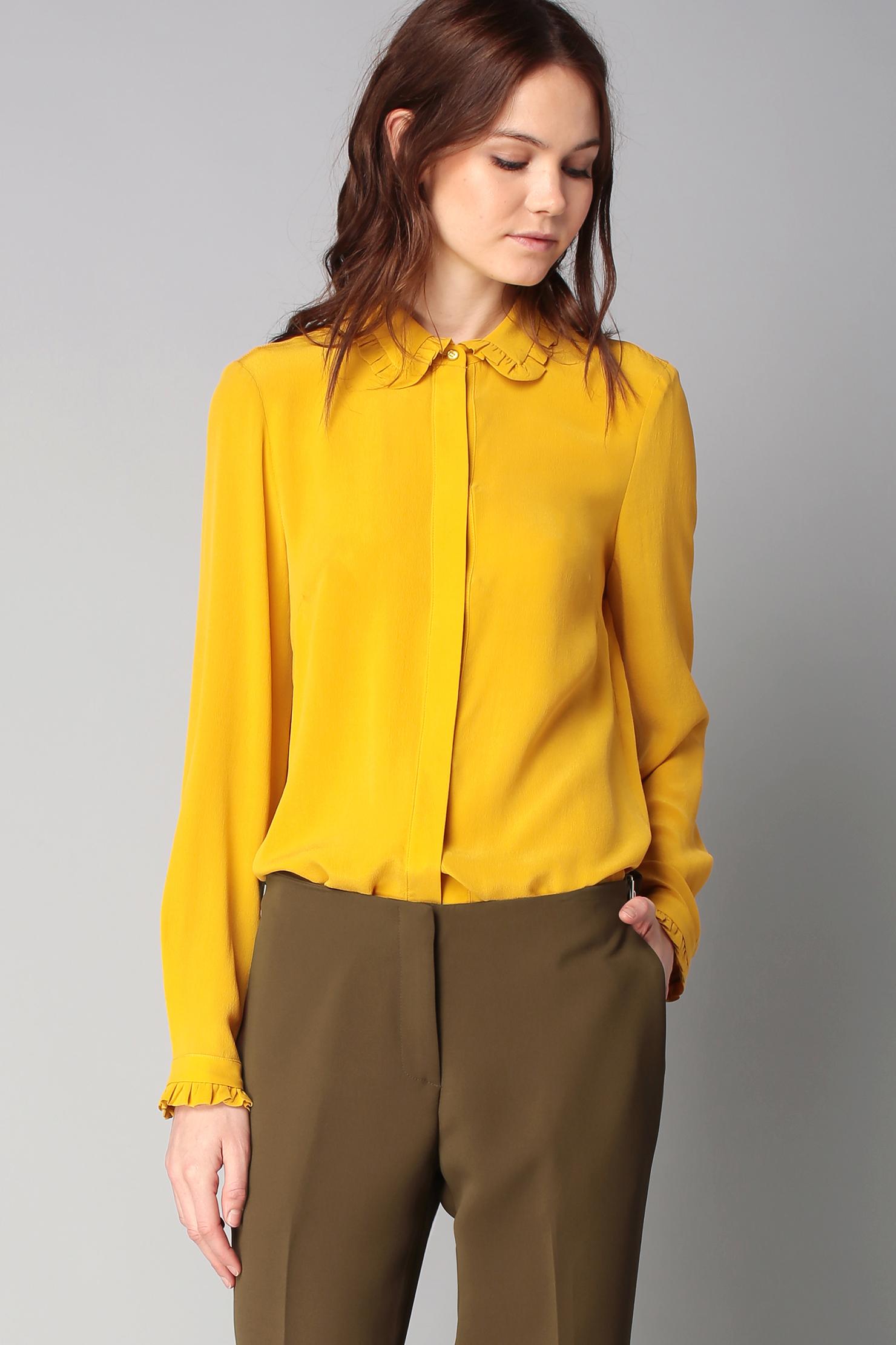 Классическая желтая блузка