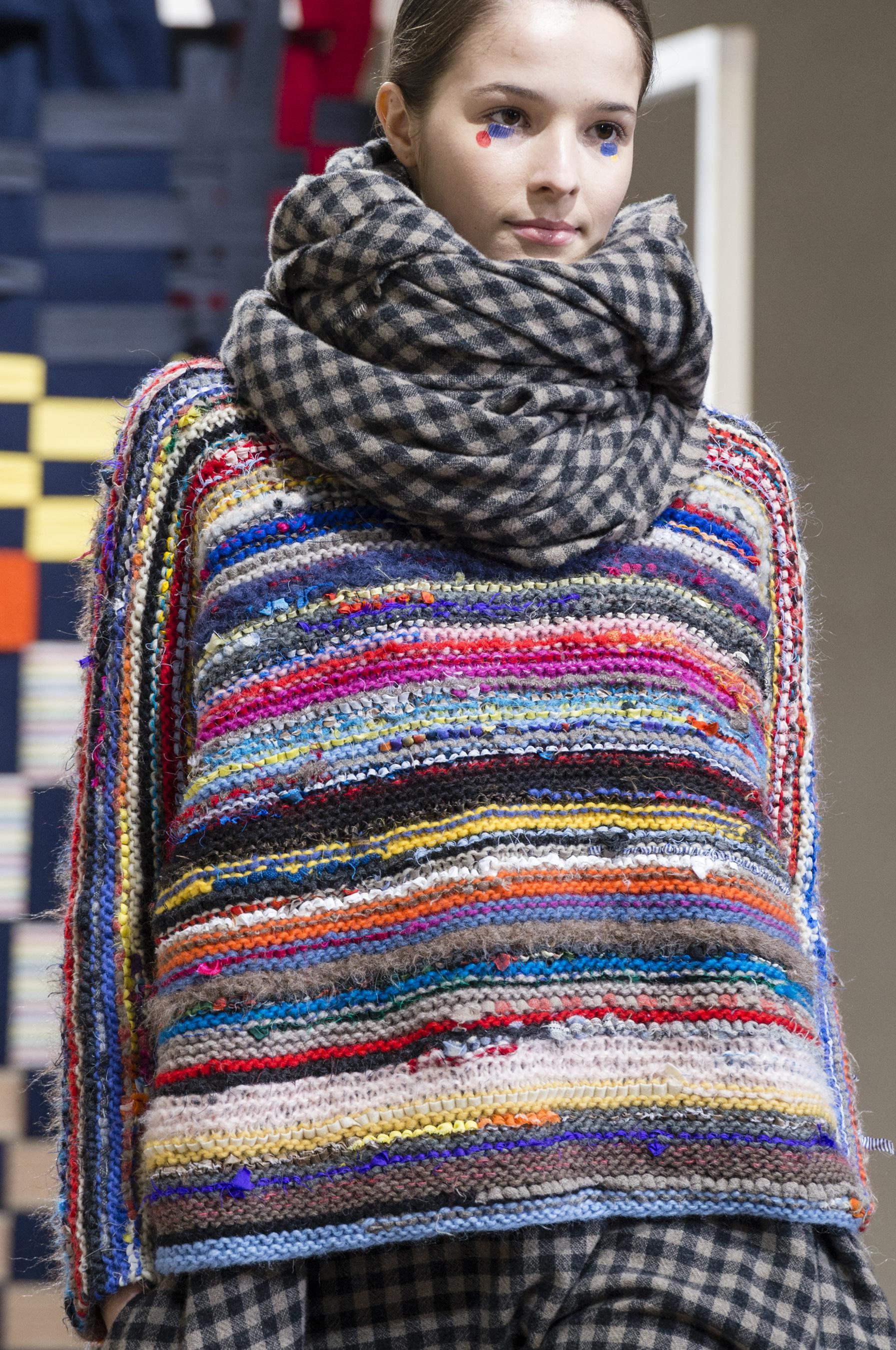 Цветной свитер оверсайз