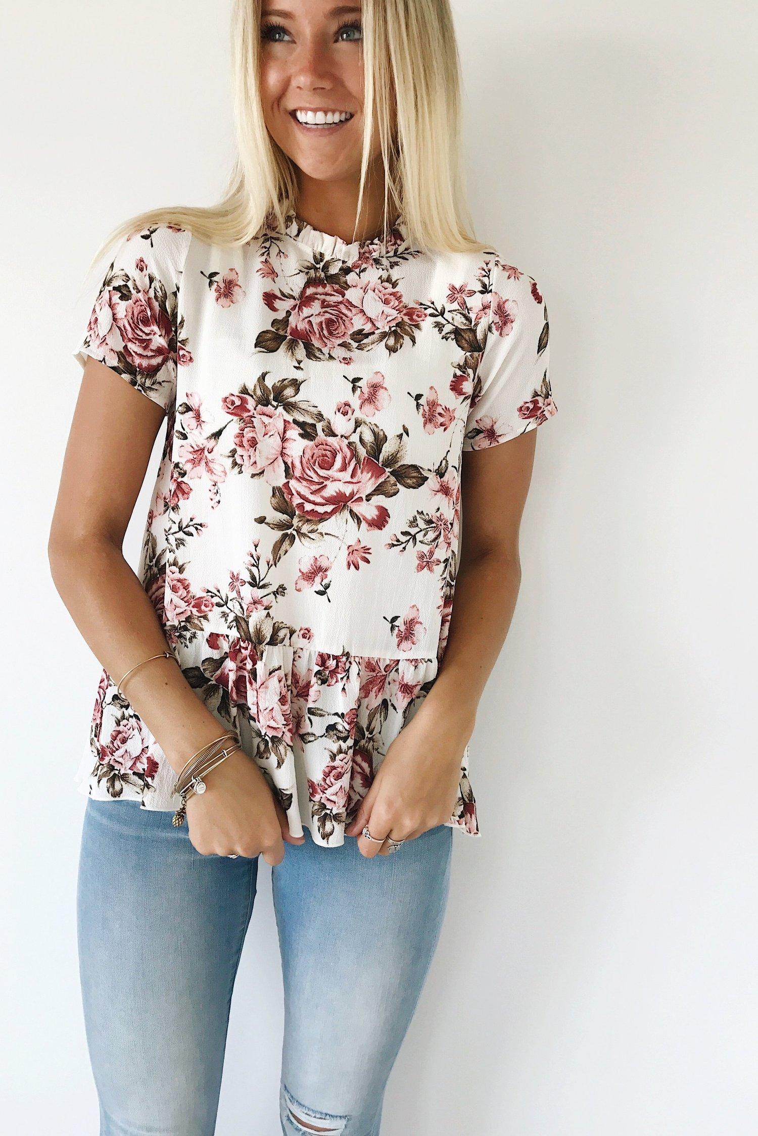 Цветочная блузка с баской