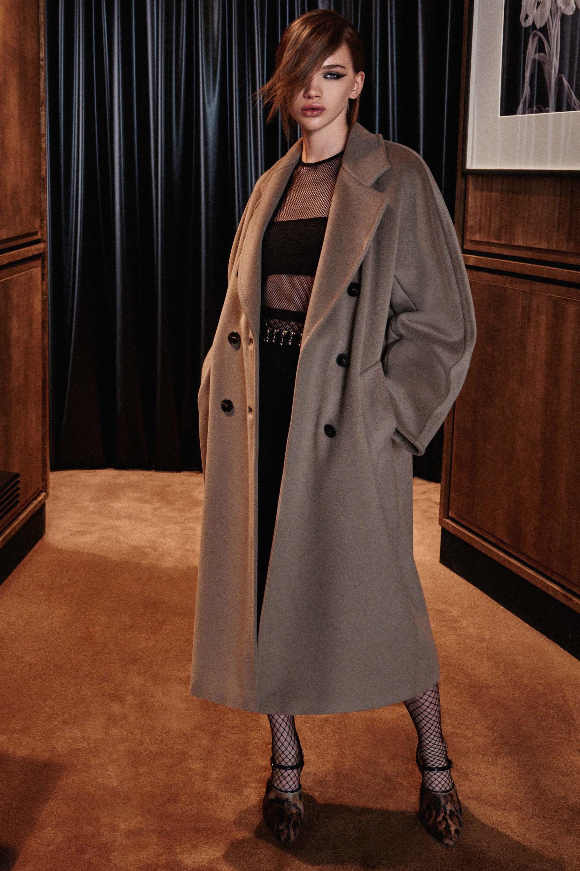 Двубортное пальто из альпаки