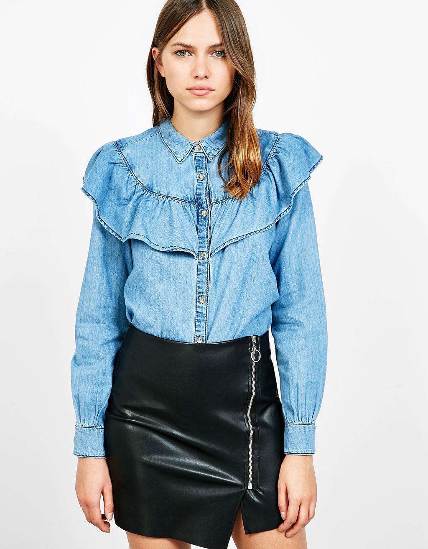 Блуза из джинсы с воланами