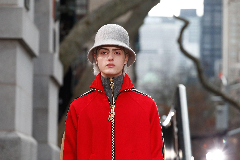 Зимняя шапка из фетра 2018