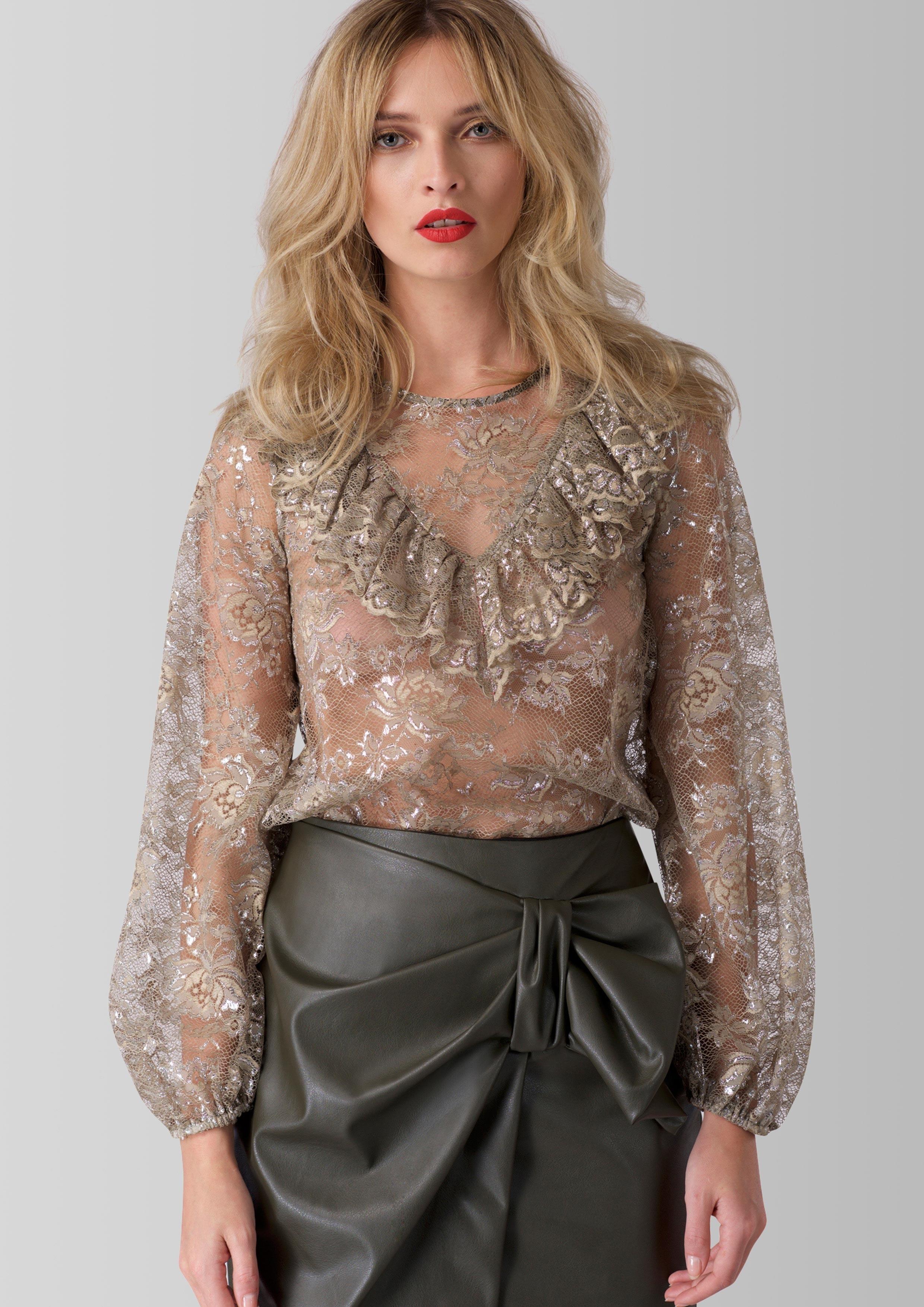 Гипюровая бежевая блузка