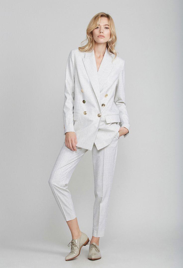 Белый пиджак в клетку