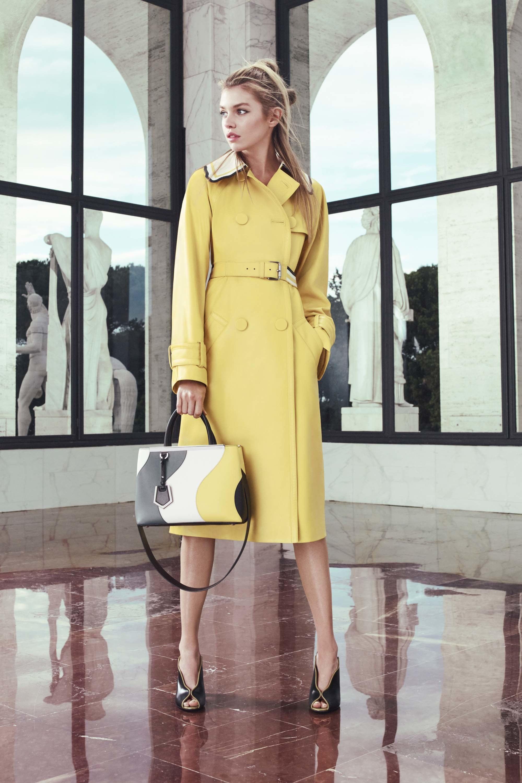 Пальто с контрастным воротником