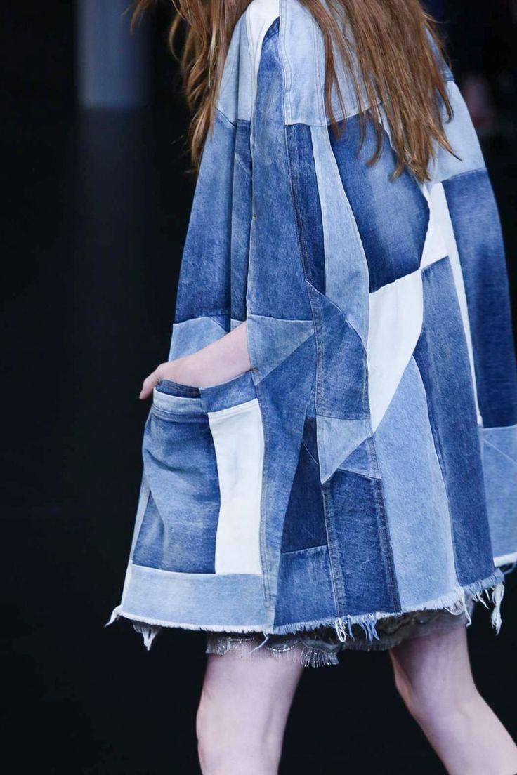 Джинсовое пальто из кусочков ткани