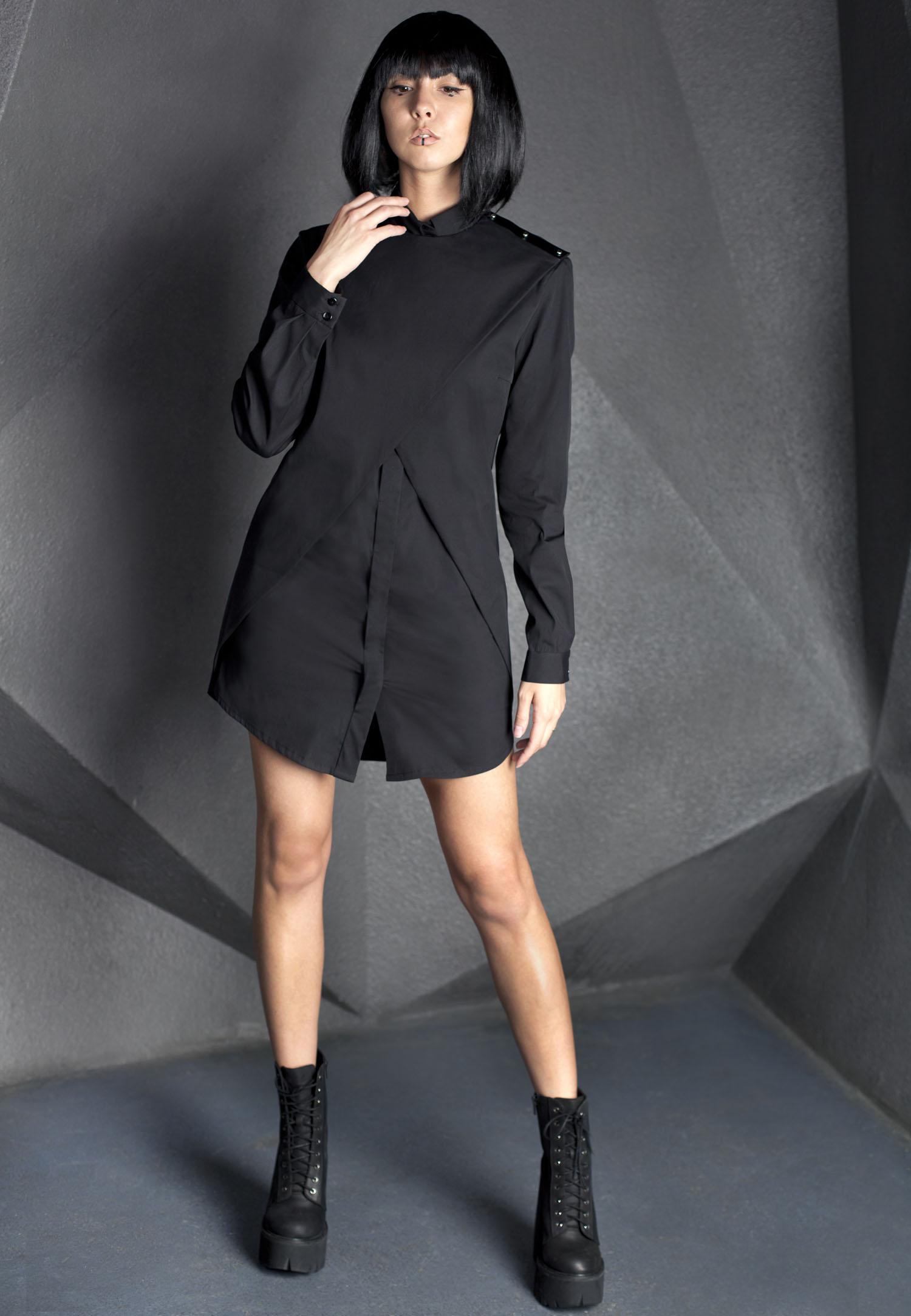 Черная рубашка женская в стиле милитари