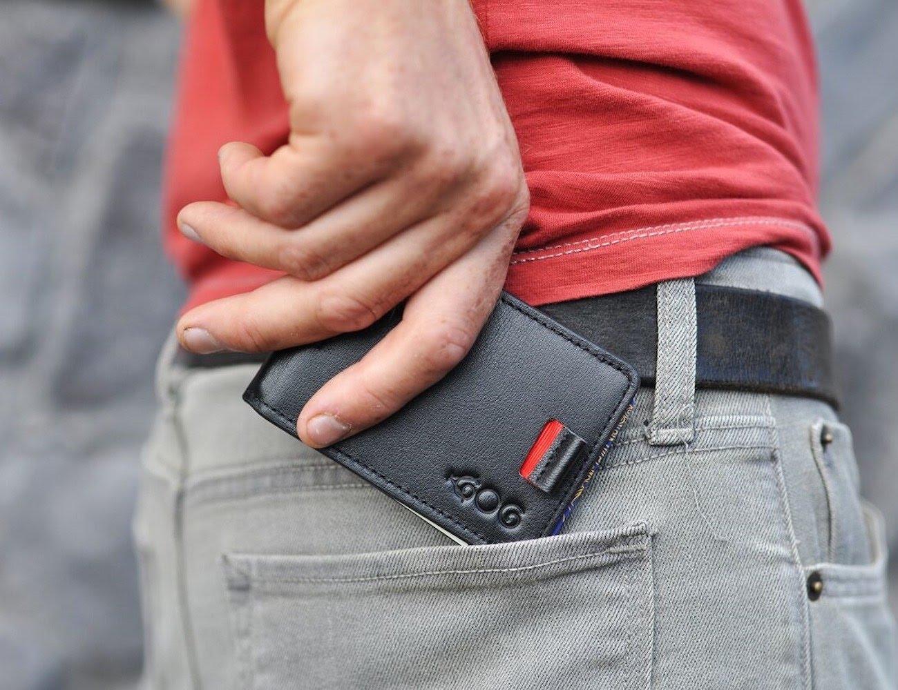 Мужской кошелек минималистский