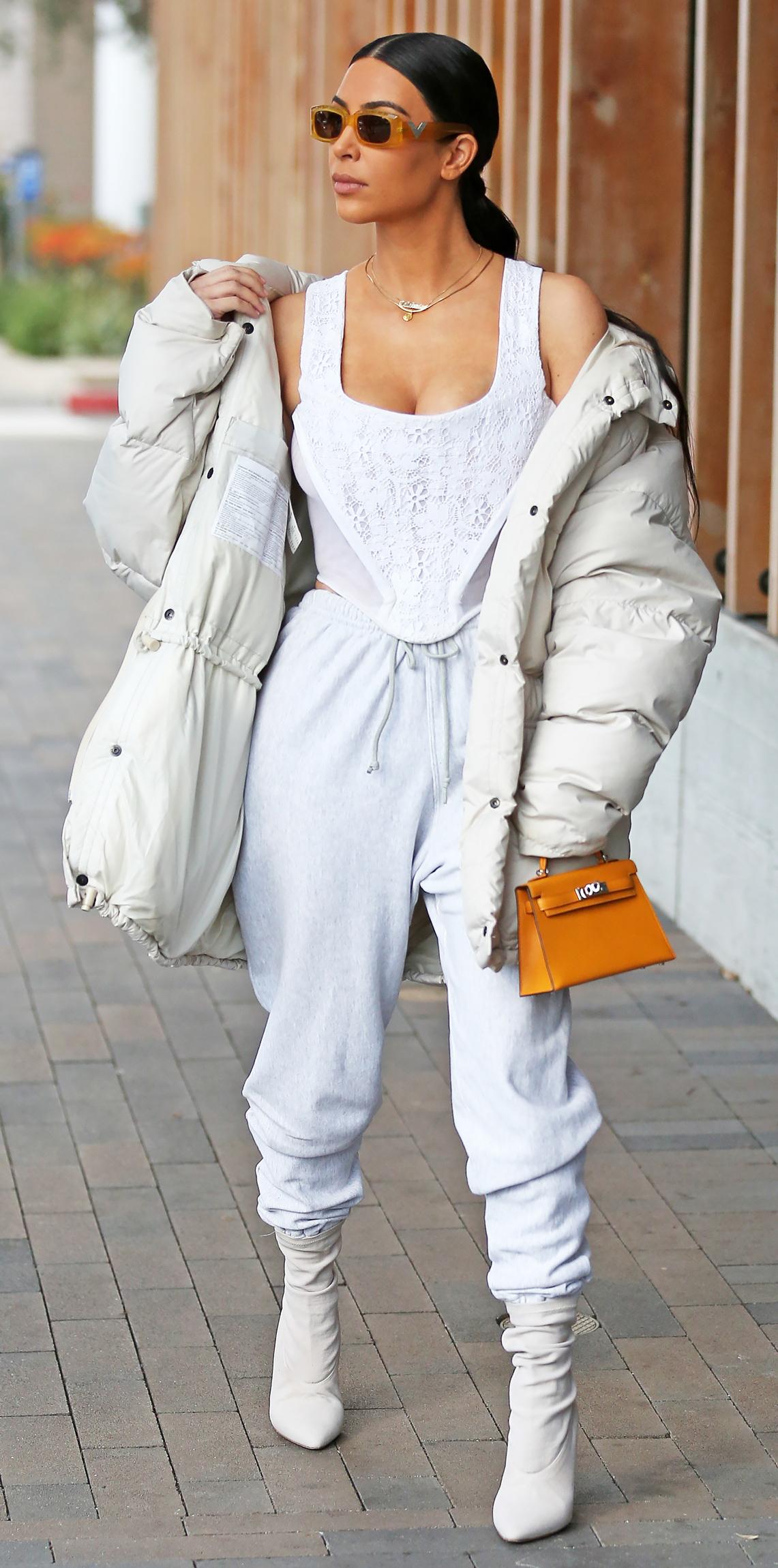 Белая куртка оверсайз