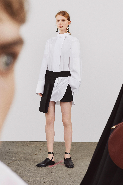 Женская белая рубашка оверсайз