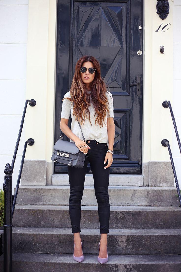 Черные джинсы с подворотами