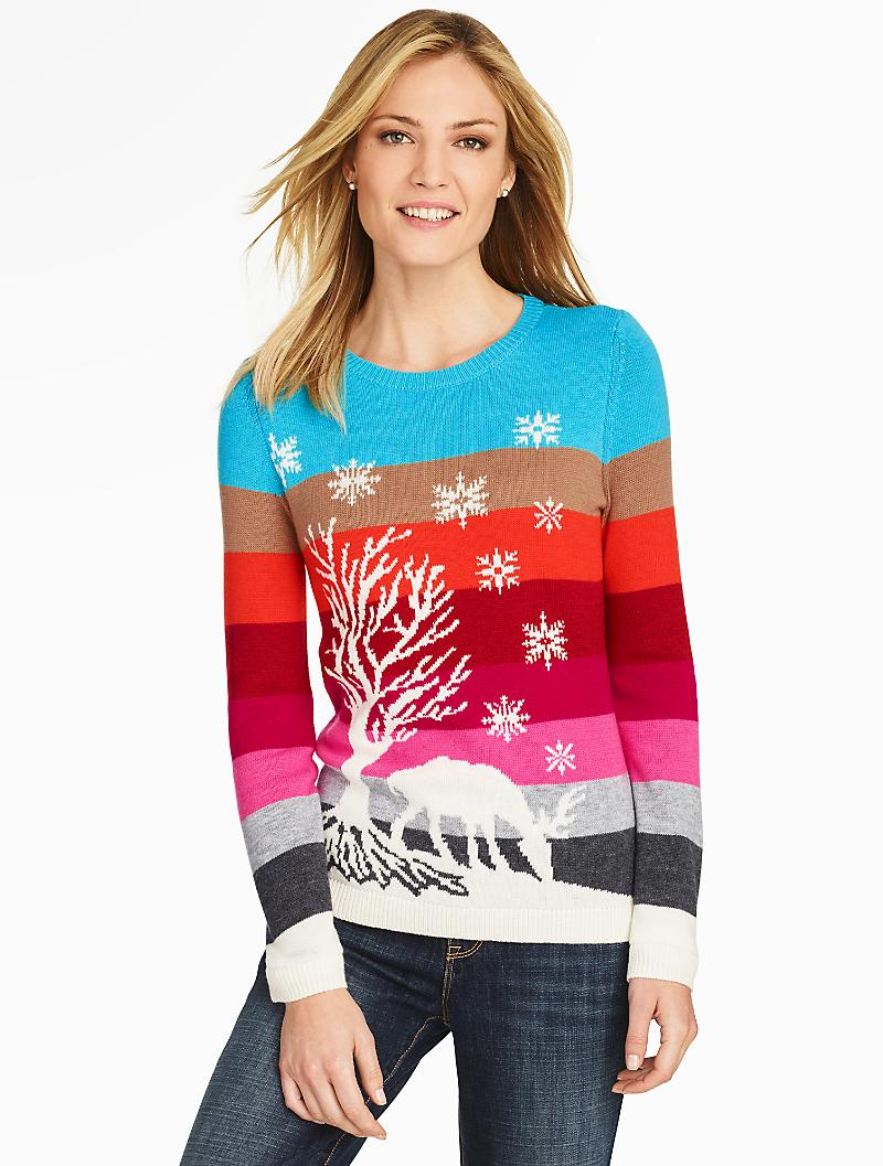 Полосатый свитер с оленями