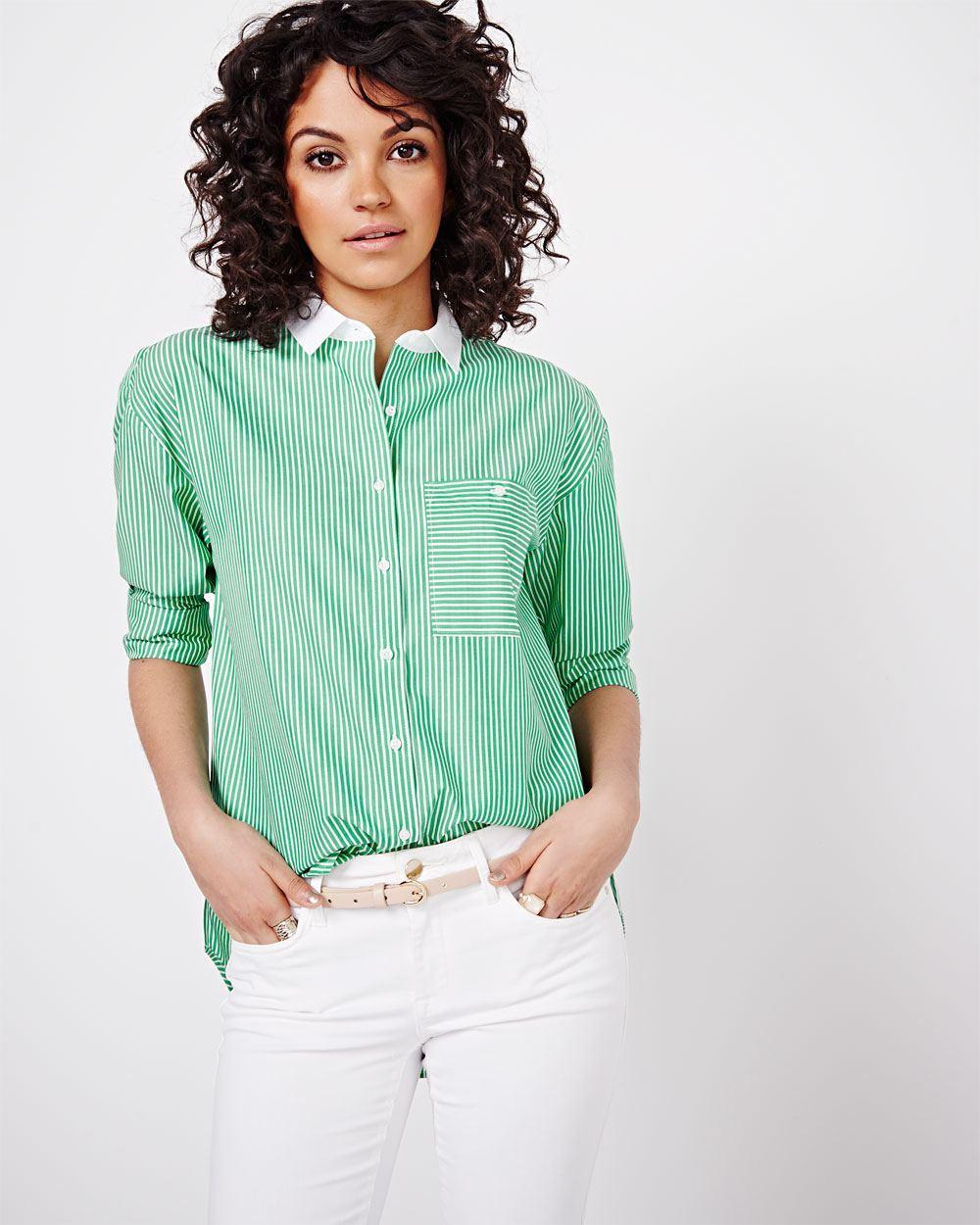 Зеленая блузка в полоску