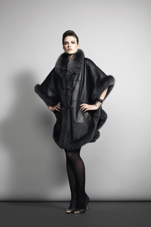 Кожаная куртка пончо с мехом