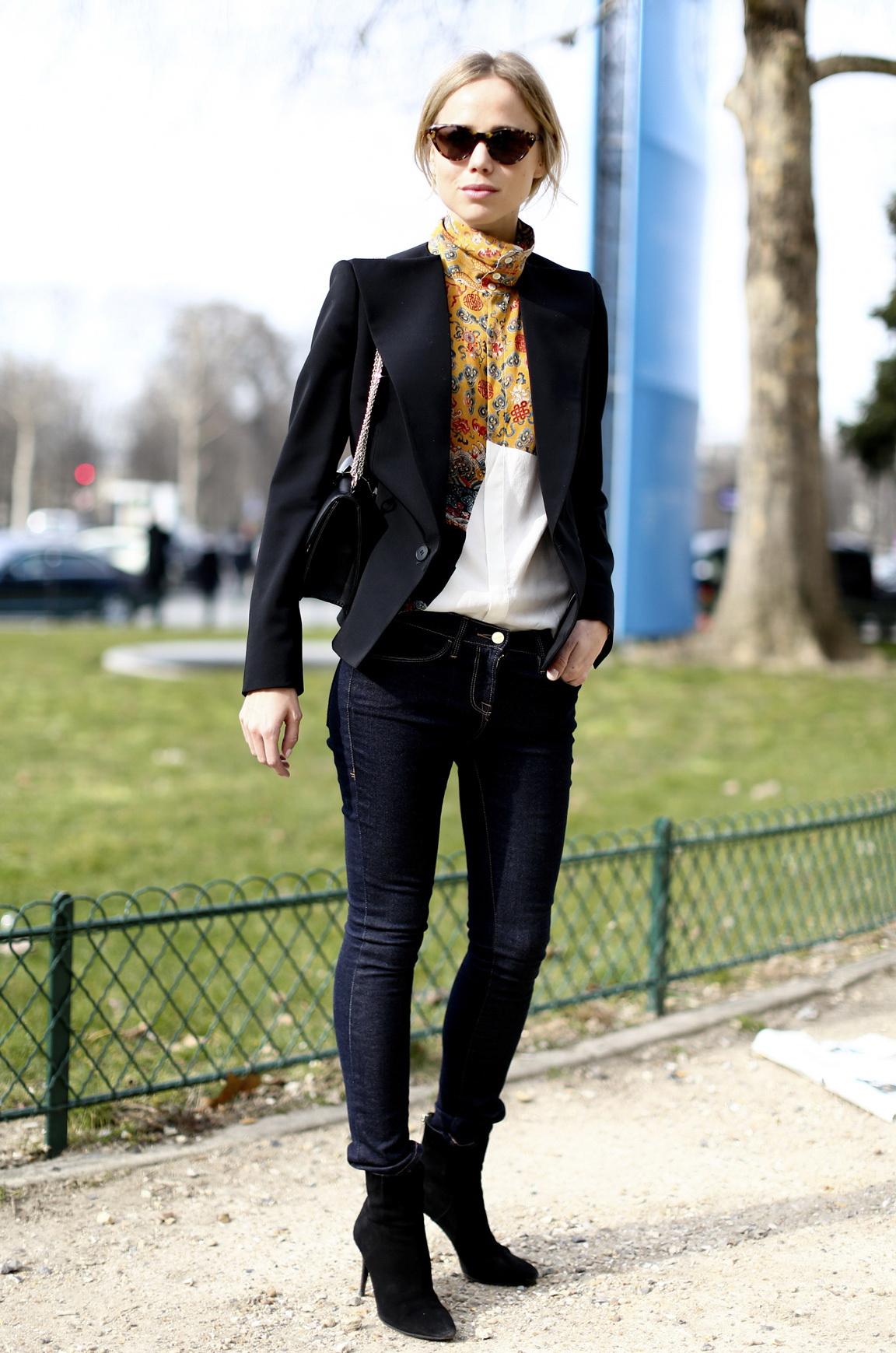 Черные джинсы со средней посадкой