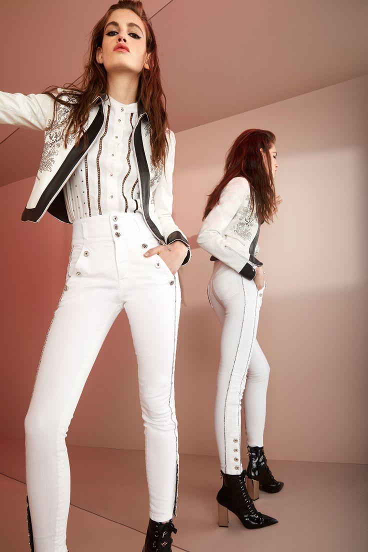 Белый пиджак с принтом