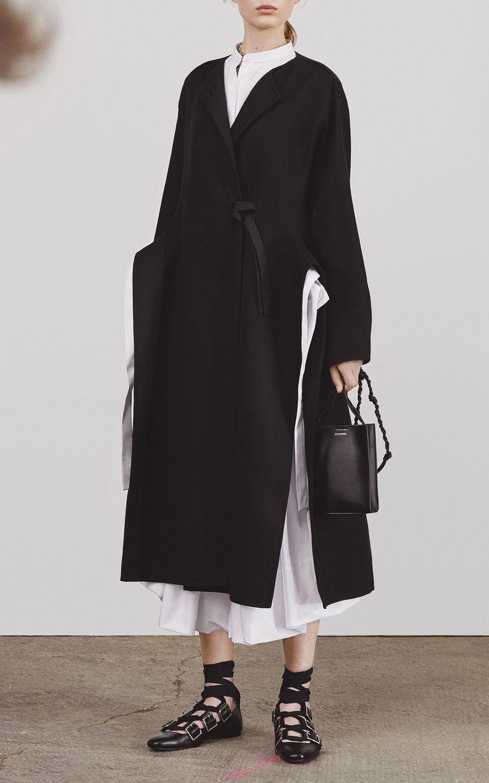 Двубортное пальто приталенное