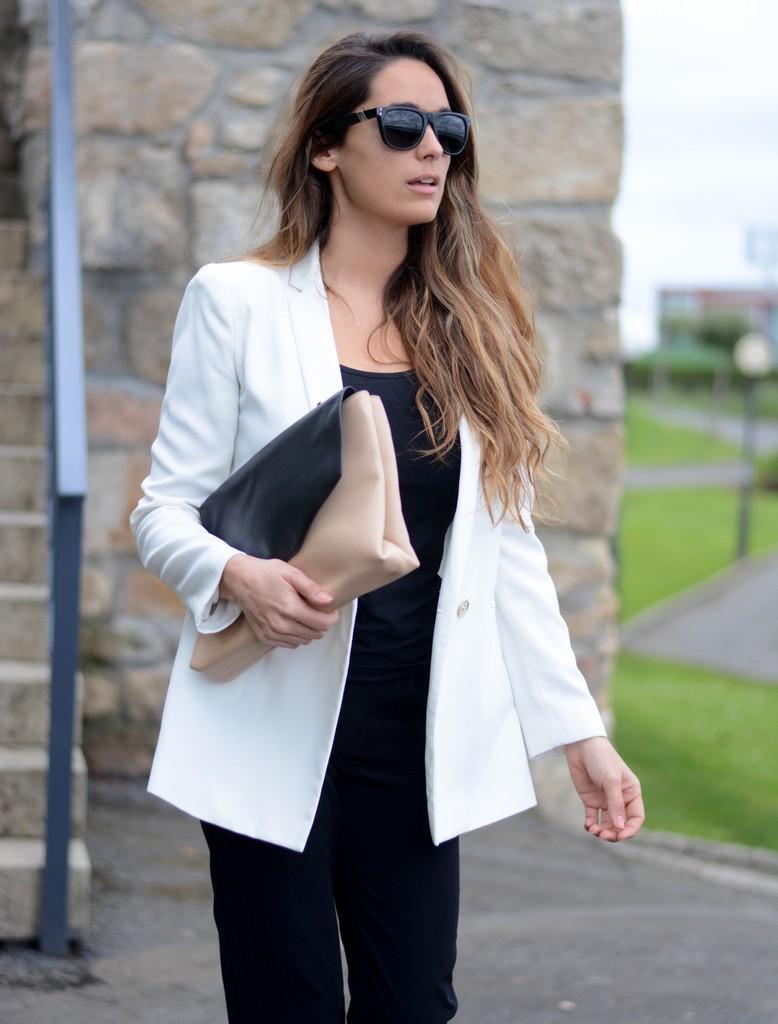 Белый пиджак приталенный