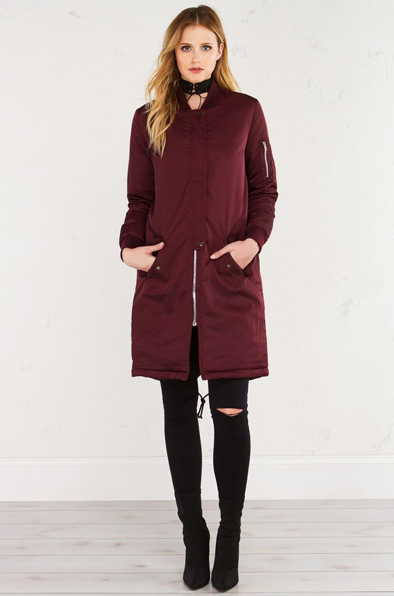 Прямая длинная куртка