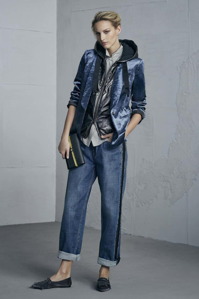 Голубые джинсы прямые