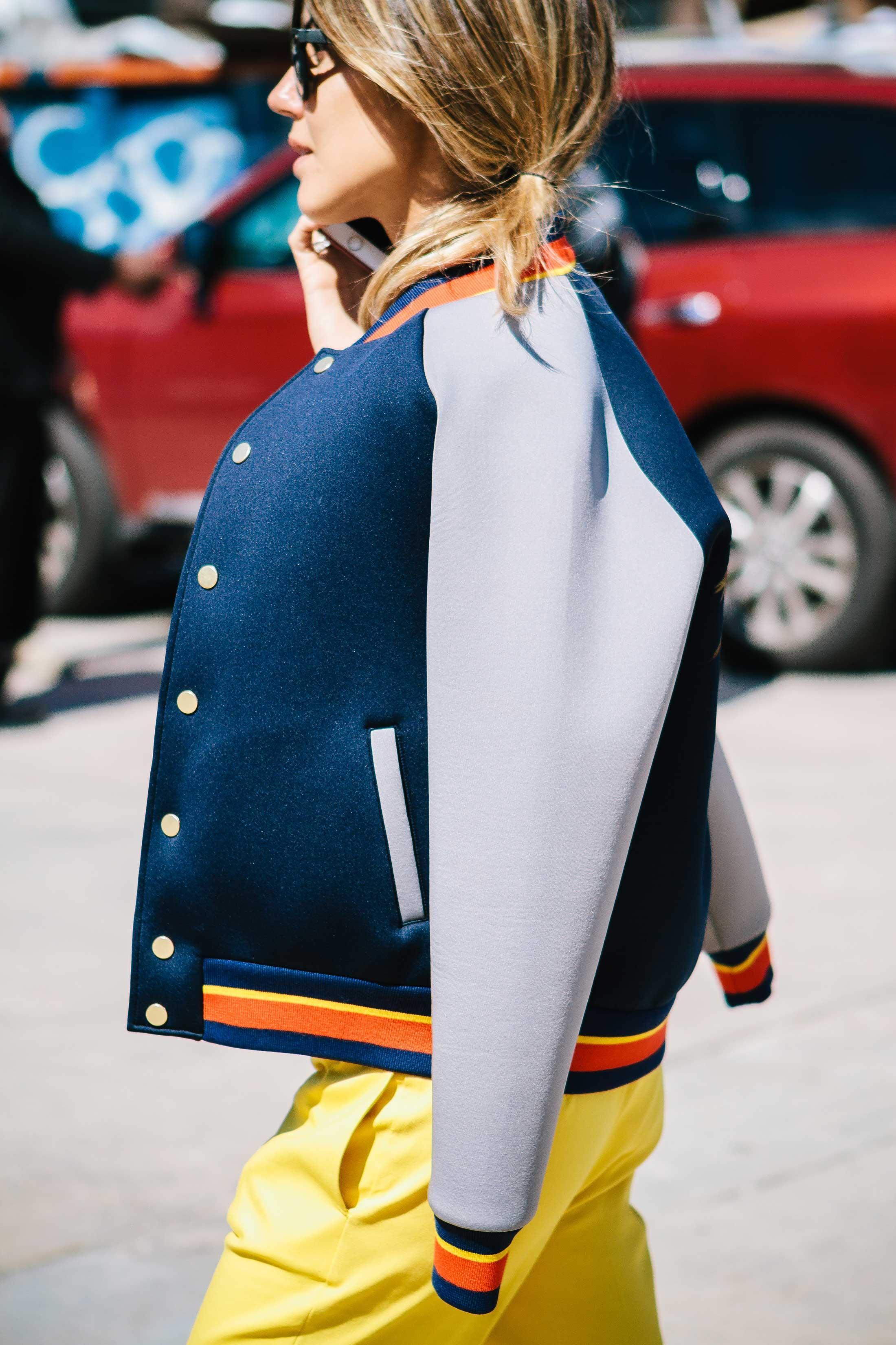 Спортивная куртка на резинке