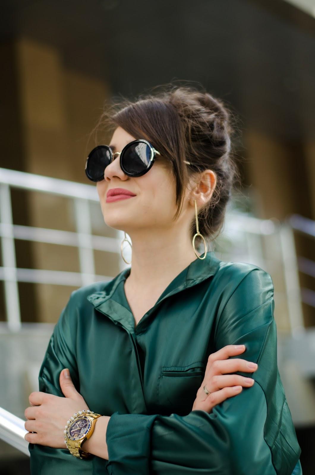 Зеленая блузка рубашка