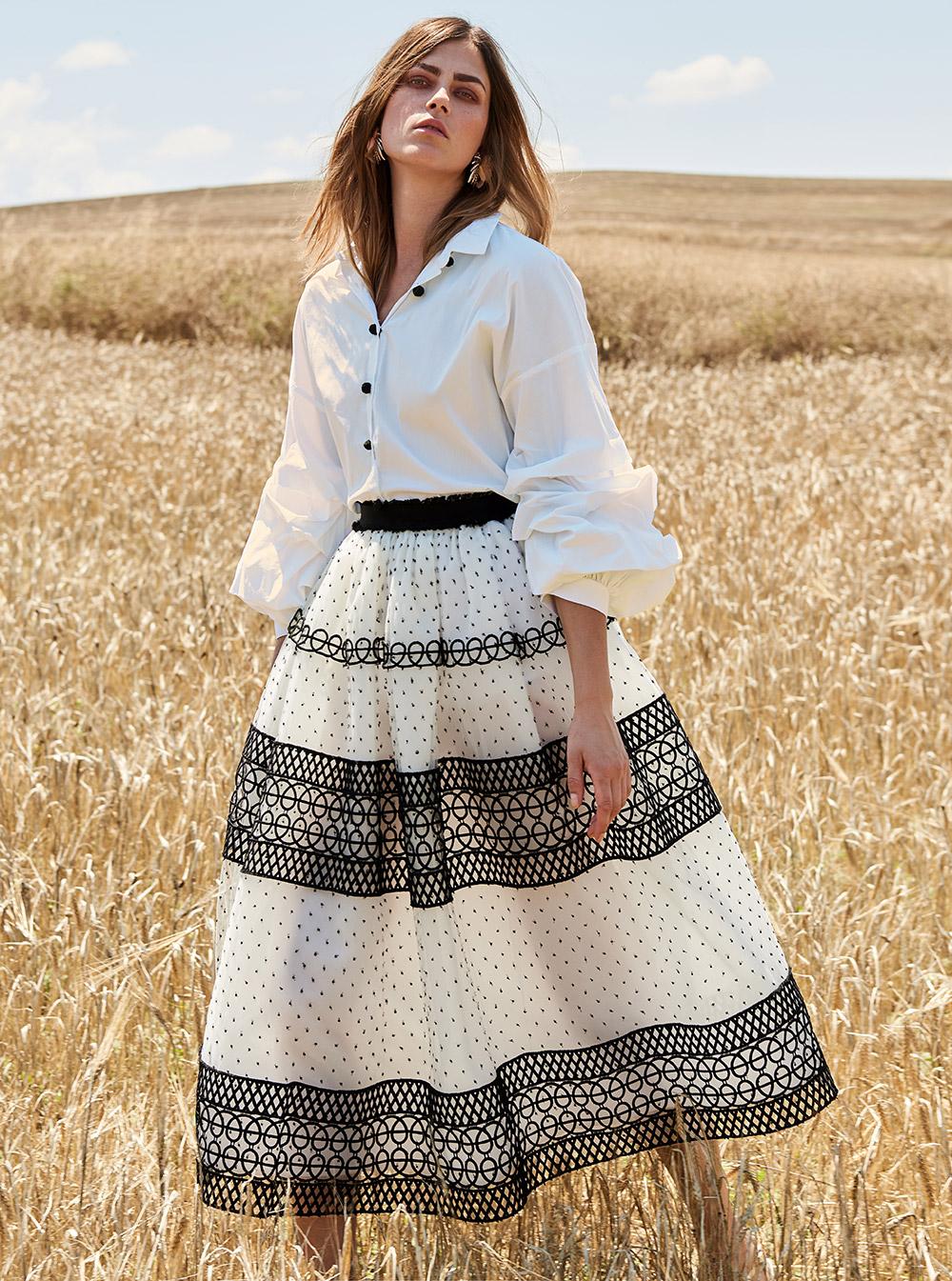 Женская белая рубашка с объемным рукавом