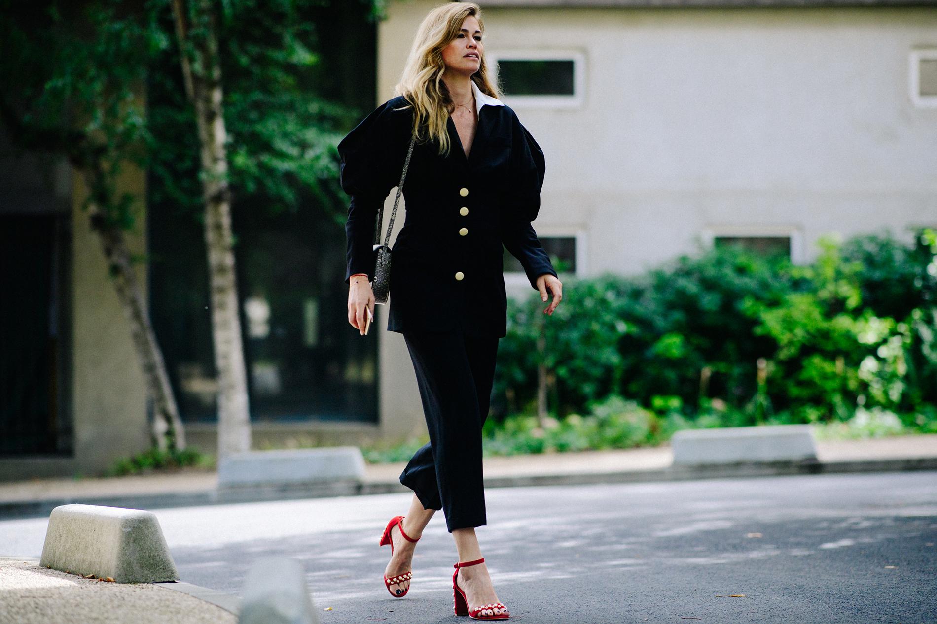 Черный пиджак с рукавами фонариками