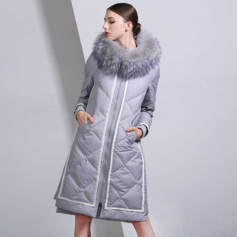 Серая длинная куртка
