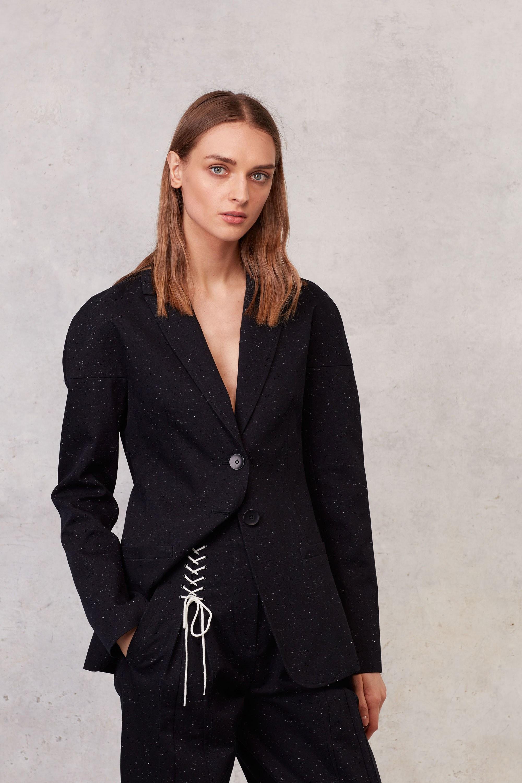 Черный пиджак шерстяной