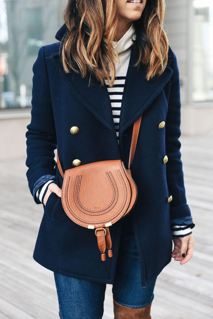 Двубортное пальто синее