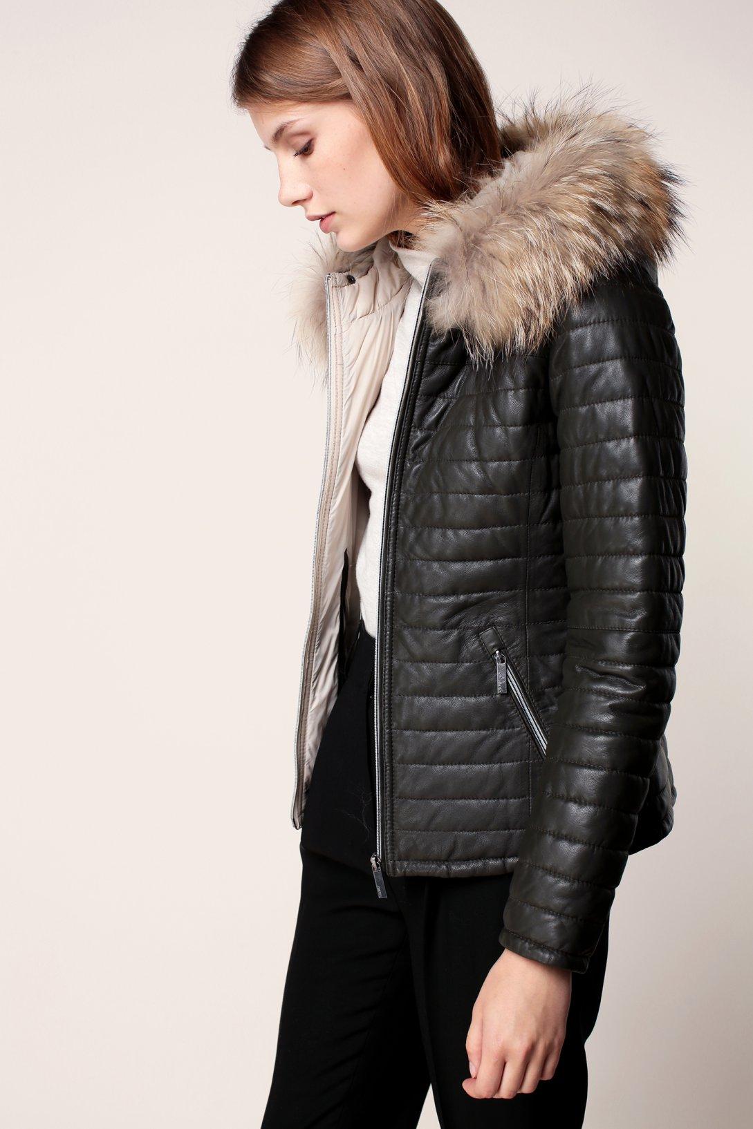 Стеганая кожаная куртка с мехомСтеганая кожаная куртка с мехом