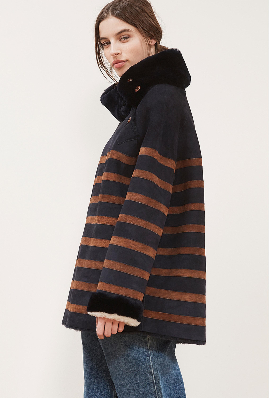 Пальто с воротником стойкой