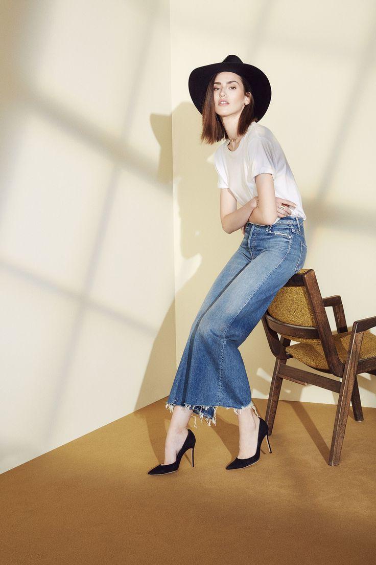 Укороченные джинсы клеш