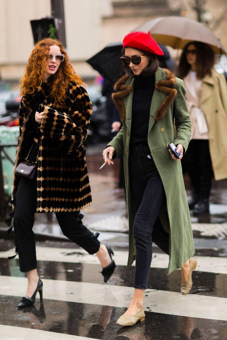 Драповое пальто с мехом на воротнике