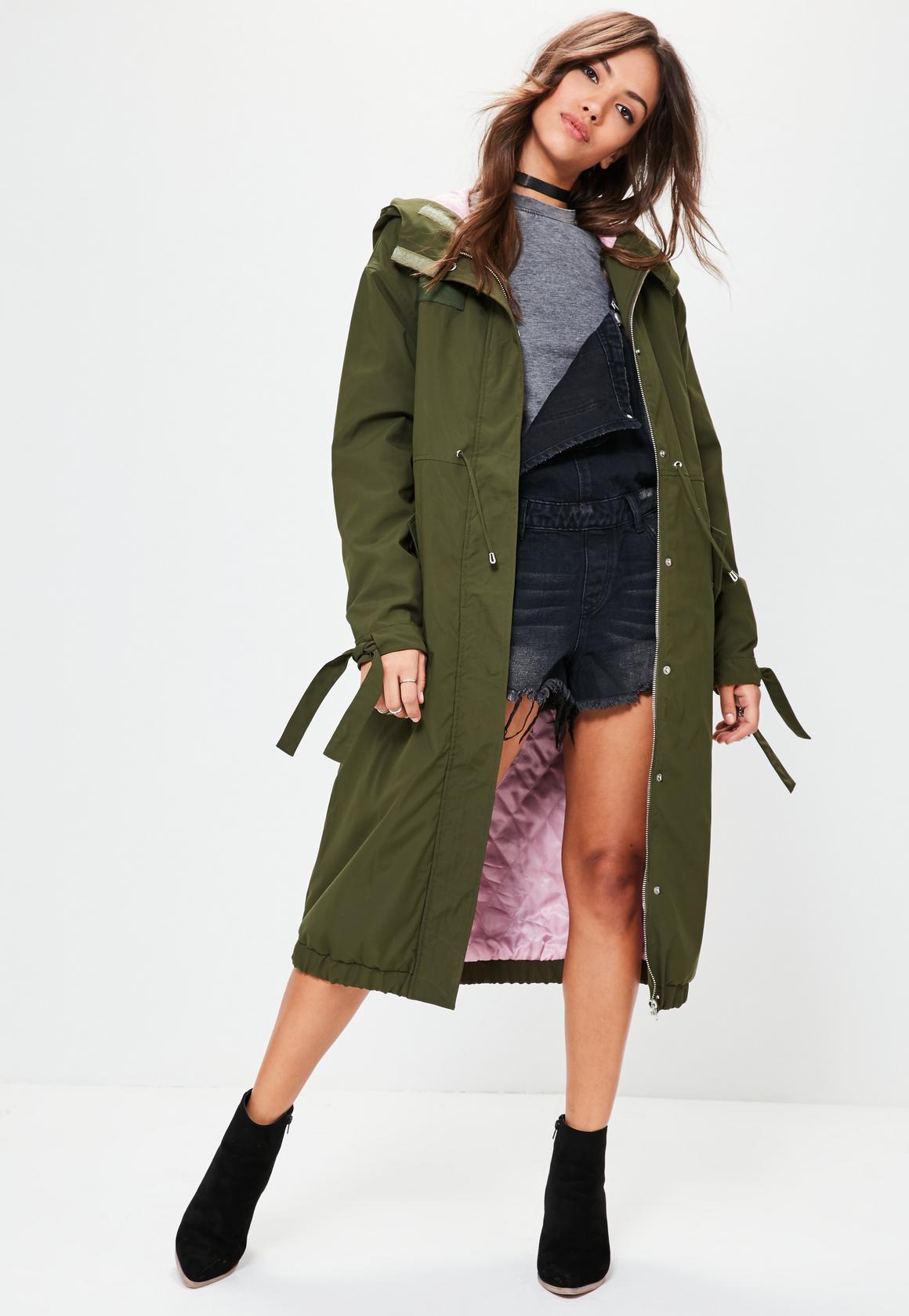 Зеленая длинная куртка