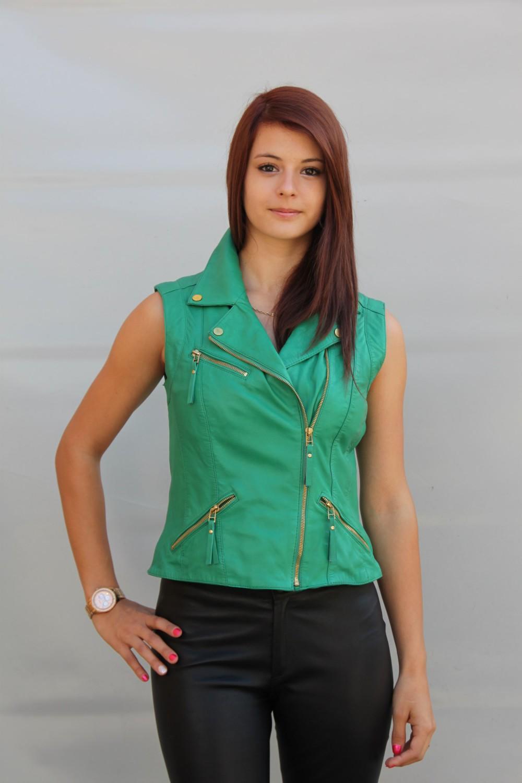 Зеленый кожаный жилет