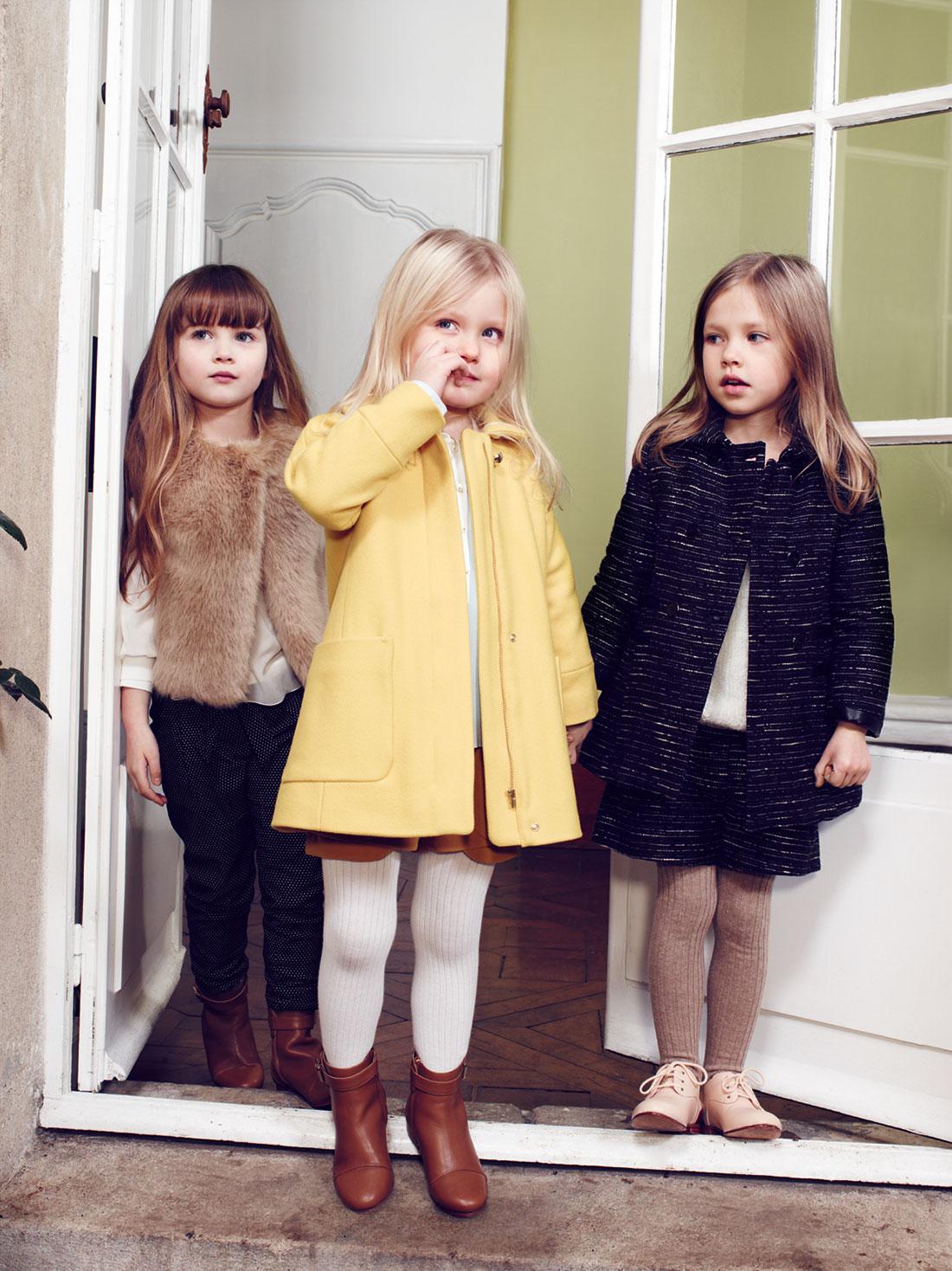 Желтое пальто для девочки