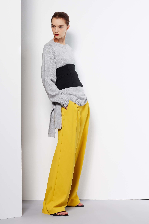 Женские широкие брюки желтого цвета