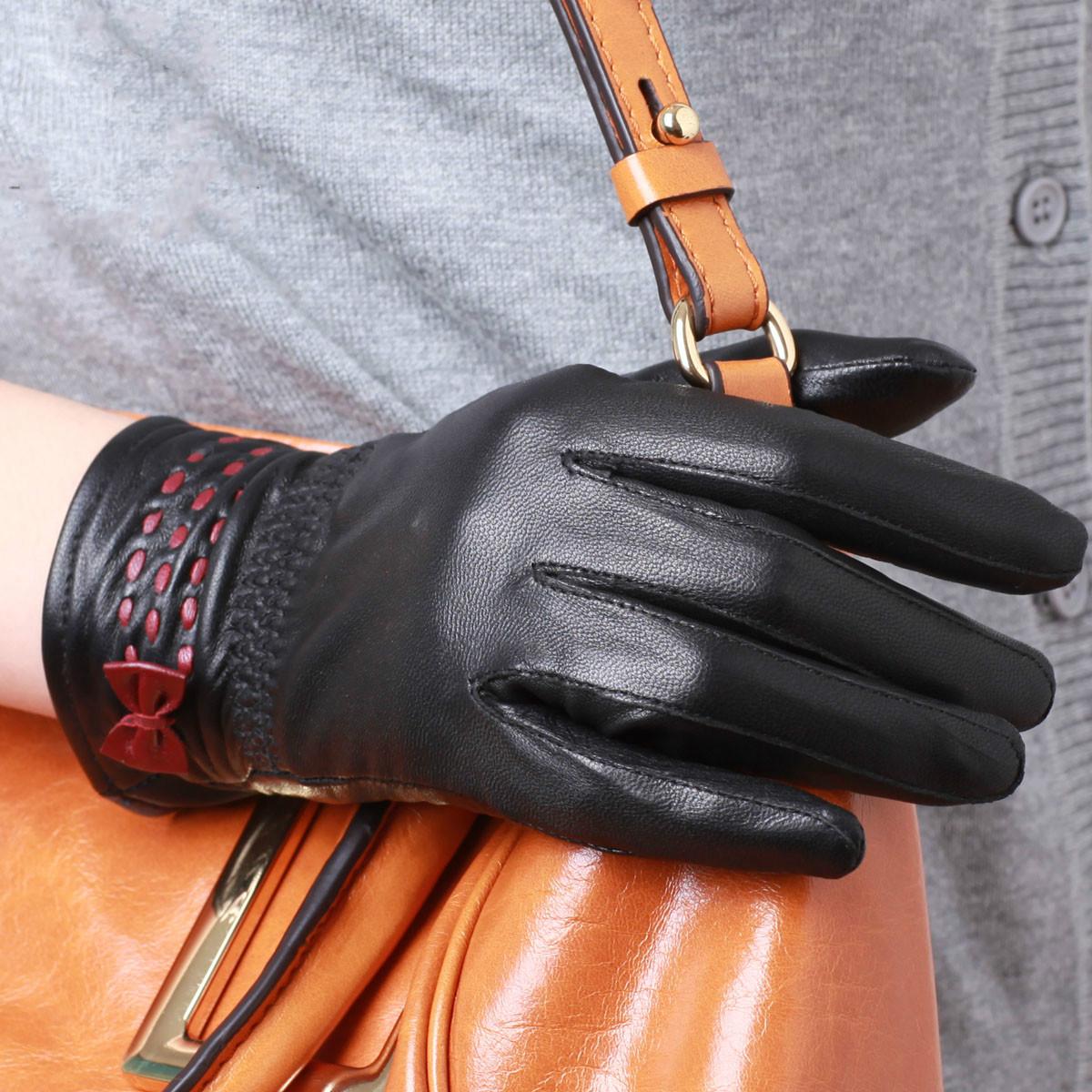 Кожаные перчатки с бантиком