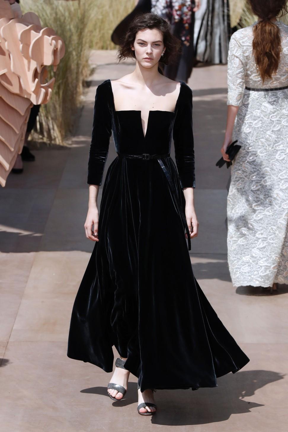 Черное бархатное платье dior 2017