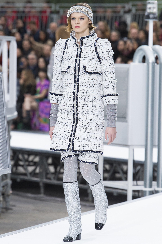 Белый костюм Шанель 2017