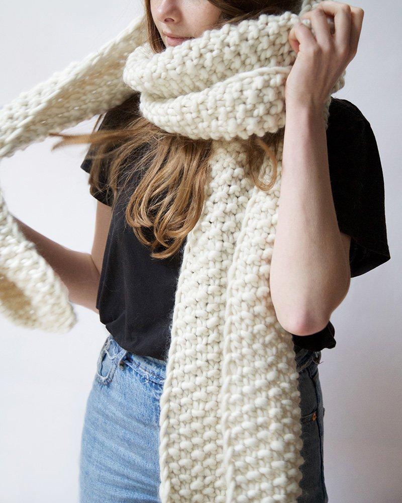 Вязаный шарф белый